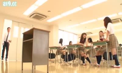 VANDR-075 Japanese School Time Stopped