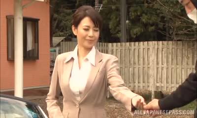 Smart looking Japanese milf enjoys rear pounding outdoors